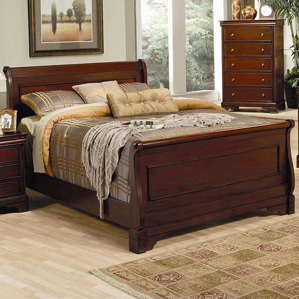 Versailles Queen Sleigh Bed in Deep Mahogany