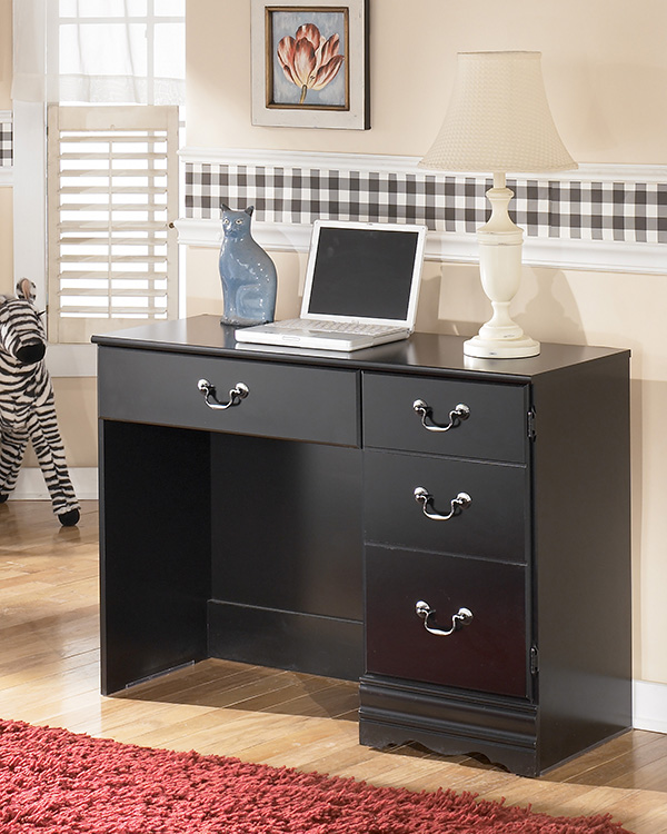 Furniture Store Closeout Sale: Huey-Vineyard Bedroom Set (CLEARANCE SALE SAVE