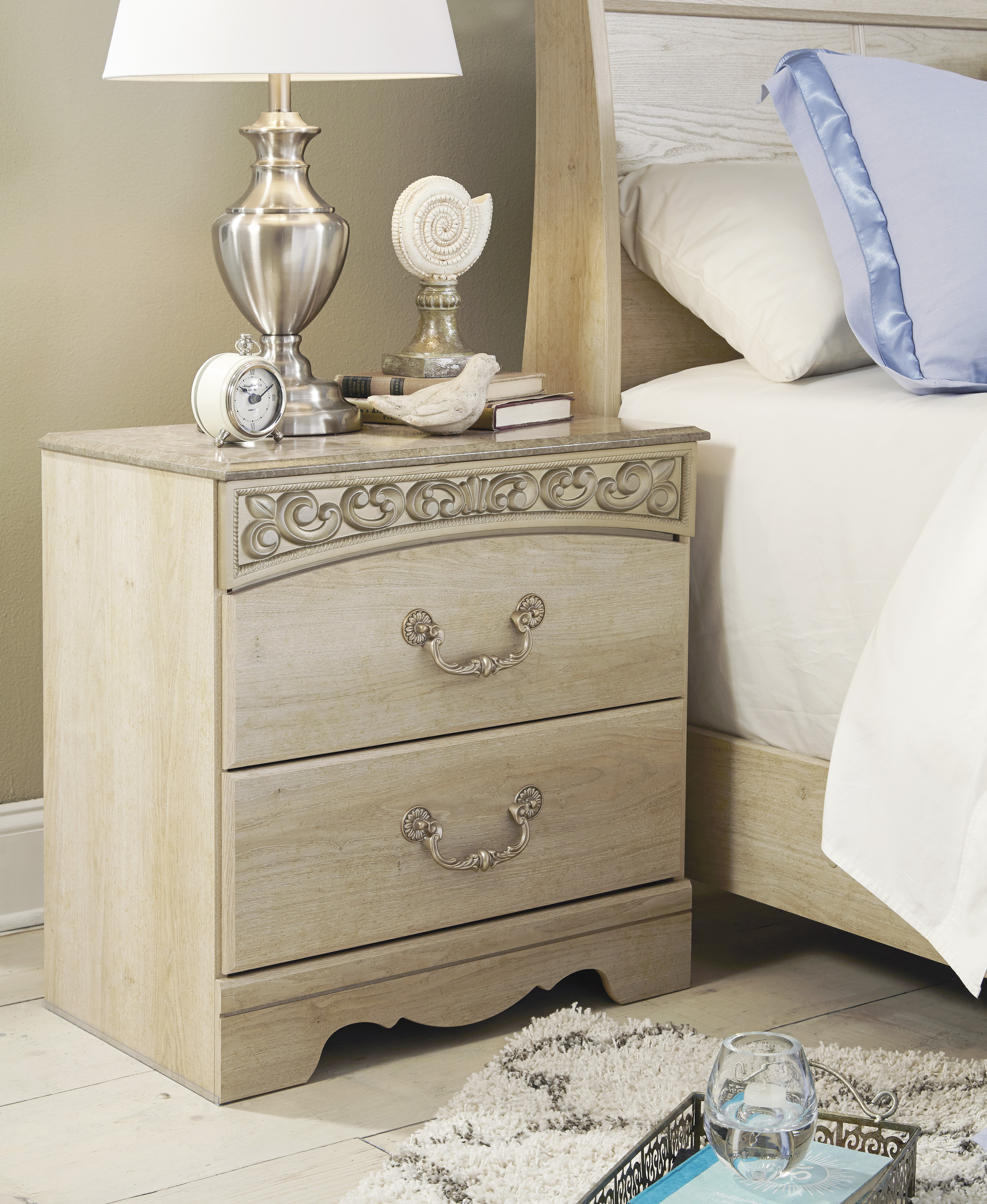 Le Grand 6 Drawer Dresser In Antique White: Catalina Antique White 3 Piece Bedroom Set