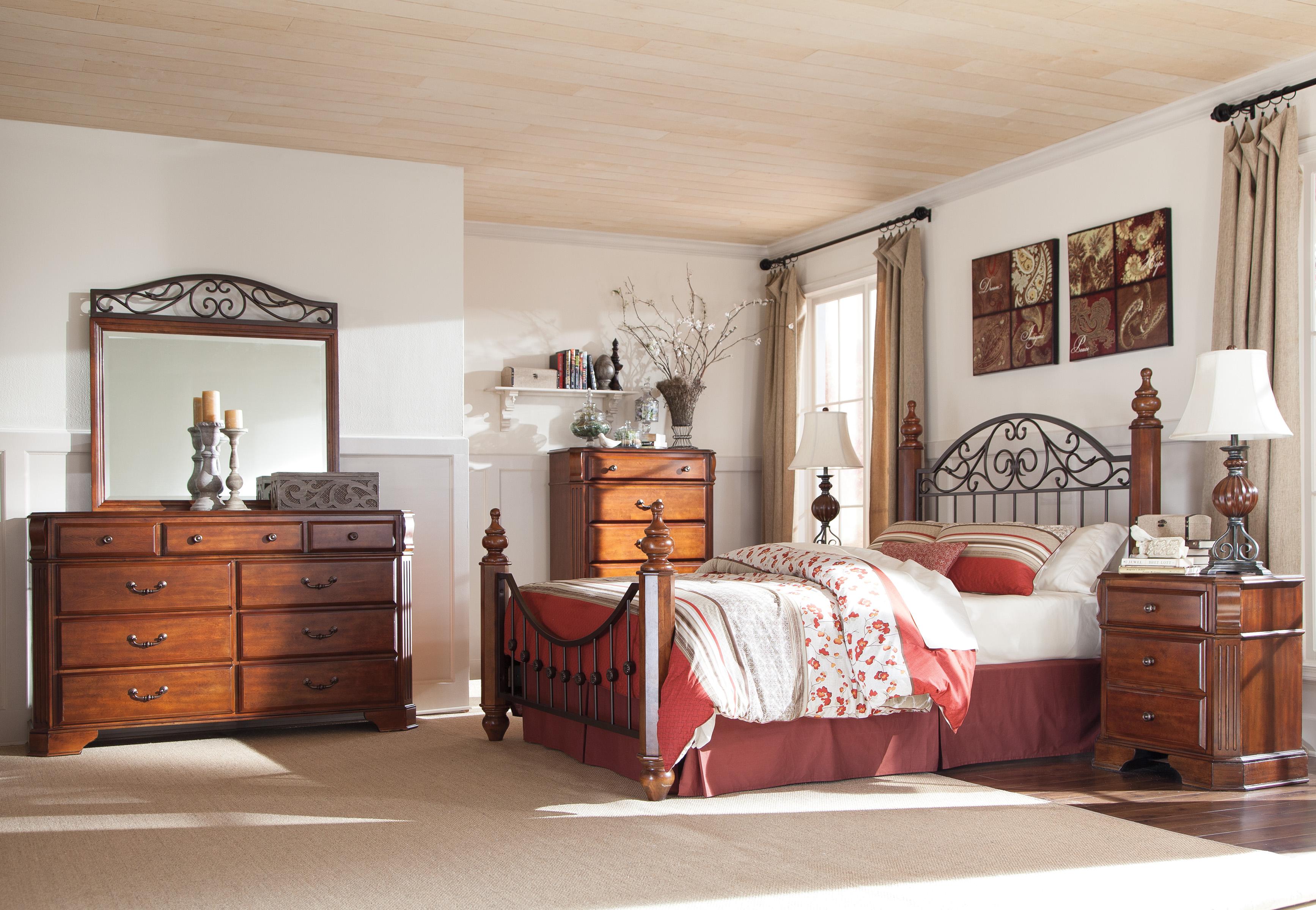 Wyatt Poster Bedroom Set | Marjen of Chicago | Chicago Discount ...