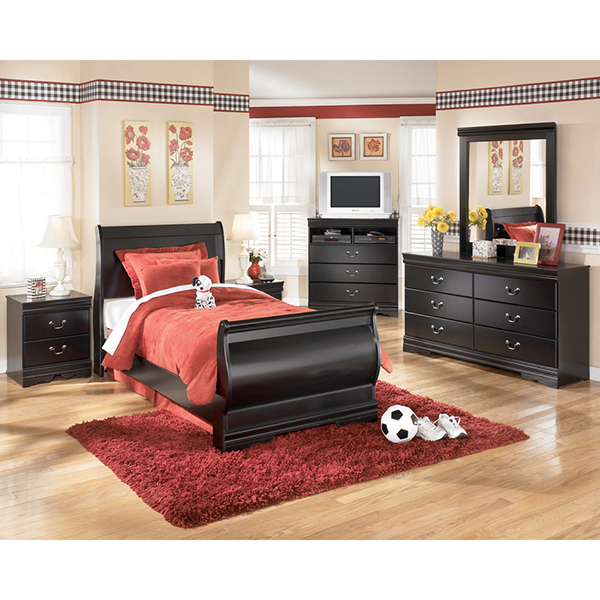 Huey-Vineyard Bedroom Set (CLEARANCE SALE SAVE