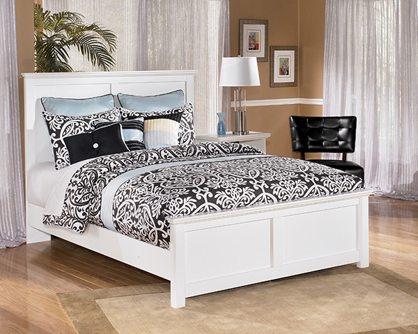 Bostwick Shoals Solid White Cottage Style Bedroom Set
