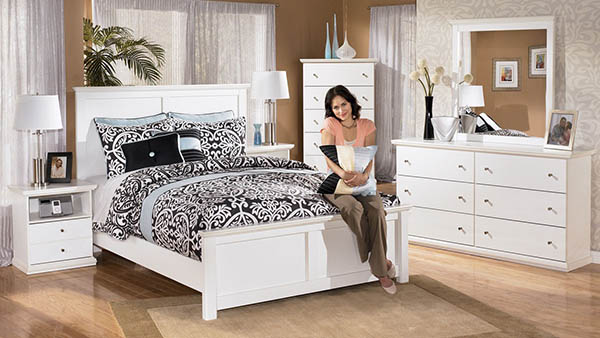 bostwick shoals solid white cottage style bedroom set marjen of chicago chicago discount. Black Bedroom Furniture Sets. Home Design Ideas